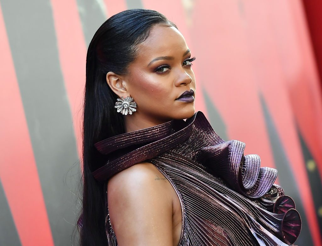 """rihanna-mocks-fan-sick-and-tired-of-waiting-for-new-music-from-her"""