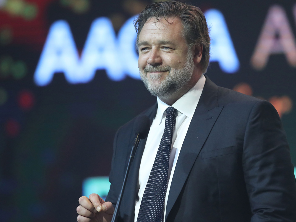 """russell-crowe-allegedly-will-bow-out-of-the-public-eye-until-he-has-lost-weight"""