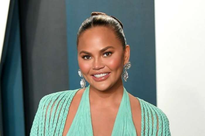 Chrissy Teigen Apologizes To Beyonce For Being 'So Nervous' Around Her