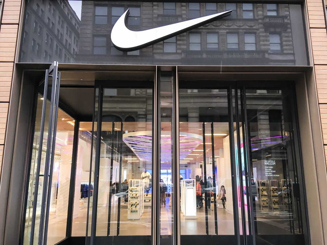 Nike And Apple Announced They're Closing U.S. Stored Amidst The Coronavirus Pandemic And People Freak Out