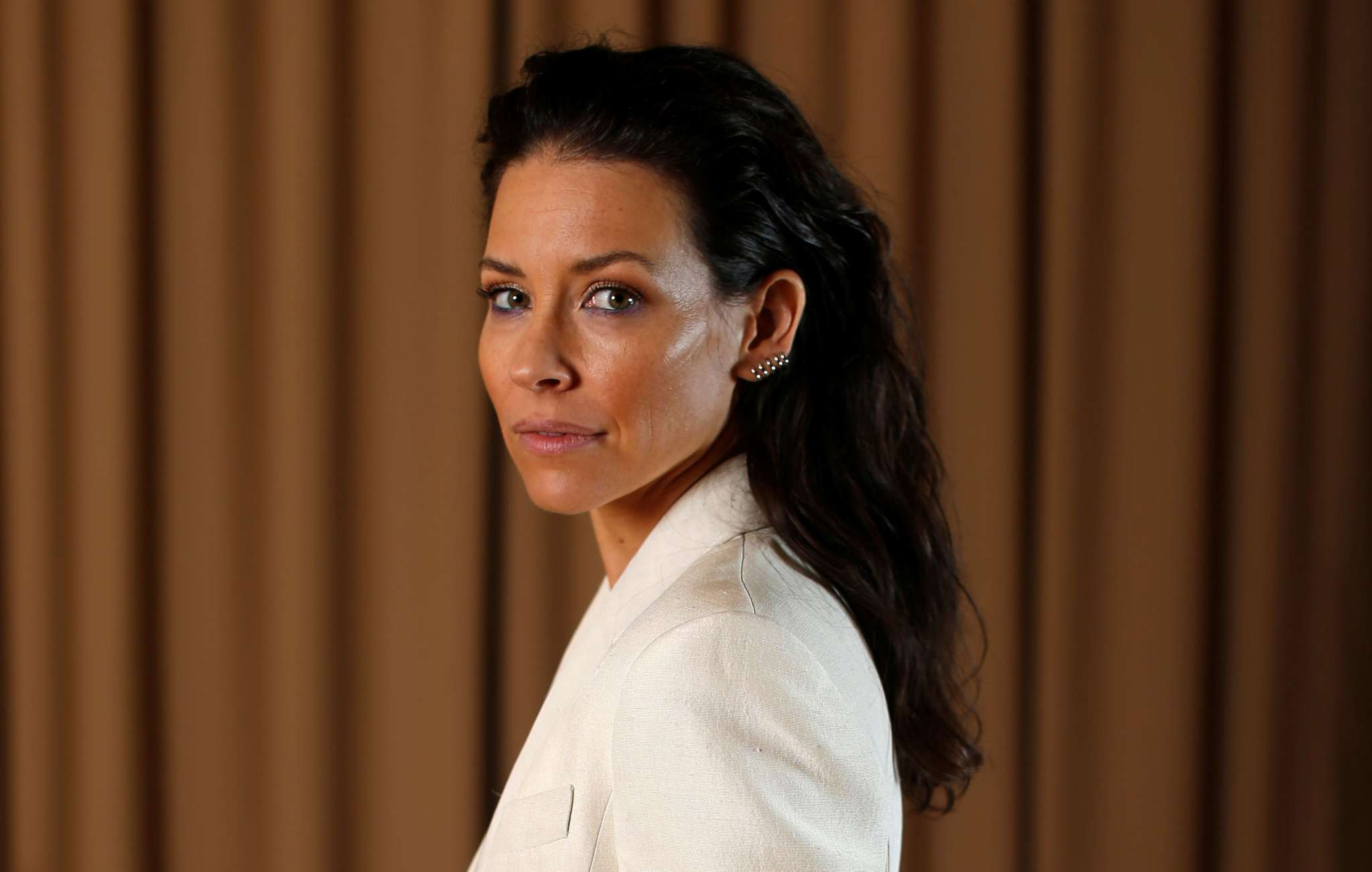 """""""evangeline-lilly-offers-sincere-apology-over-her-arrogant-comments-about-the-coronavirus-outbreak-read-the-lengthy-letter"""""""