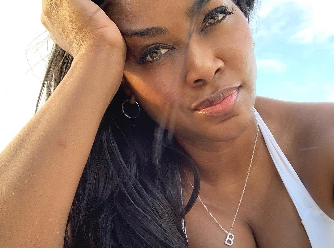 Kenya Moore Reveals The Best Thing About Her Greece Vacay - Her Pics Makes Some Fans Cry
