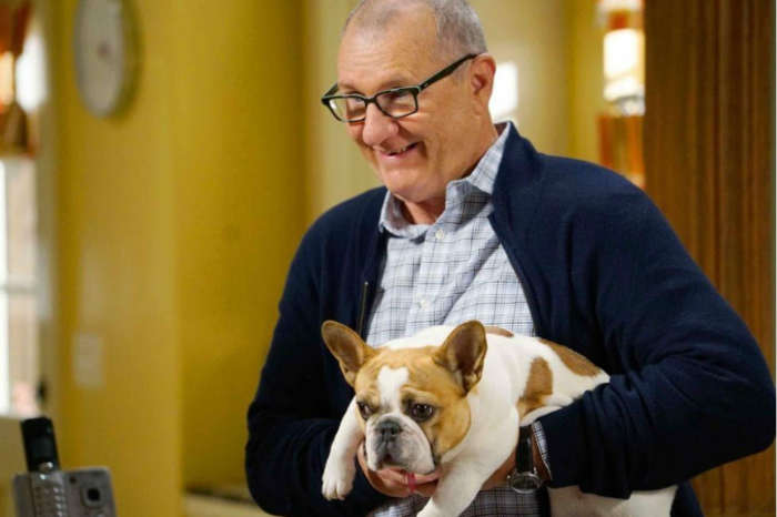 Modern Family Star Jesse Tyler Ferguson Mourns Loss Of This Beloved Cast Member Days After Filming Wrapped On The Series