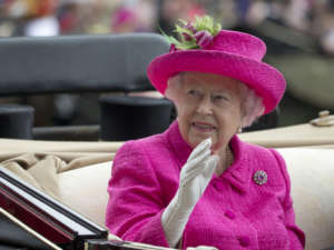 Queen Elizabeth II's Royal Footer Diagnosed With COVID-19