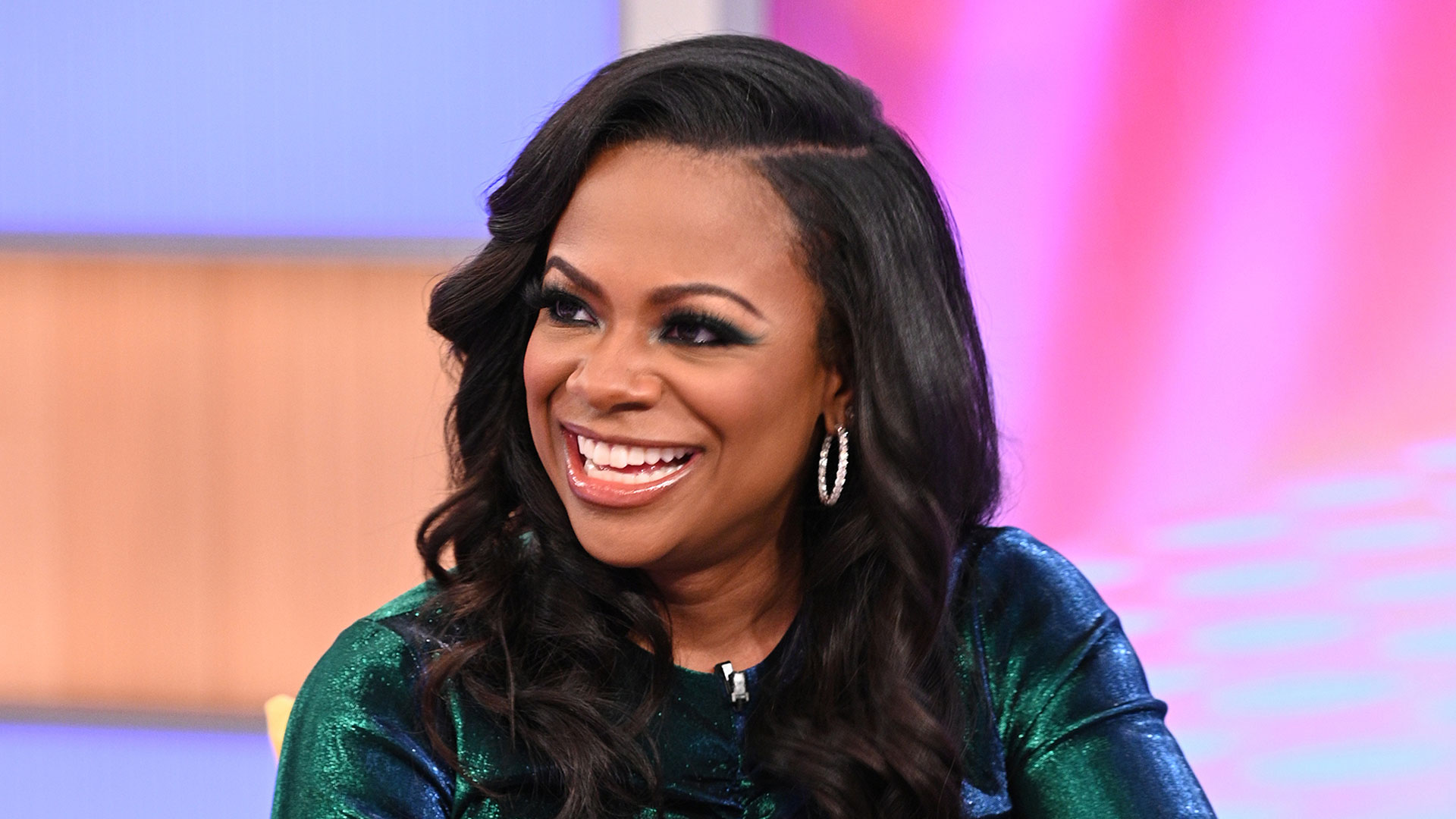 Kandi Burruss Wishes Her Lady Fans A Happy International Women's Day