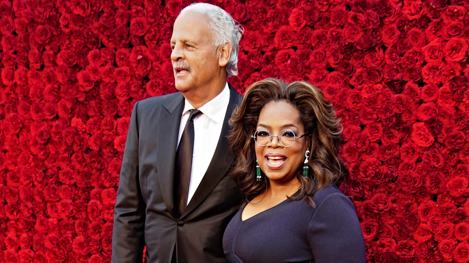 """""""oprah-winfrey-reveals-her-boyfriend-stedman-is-quarantined-separately-in-her-guest-house-heres-why"""""""