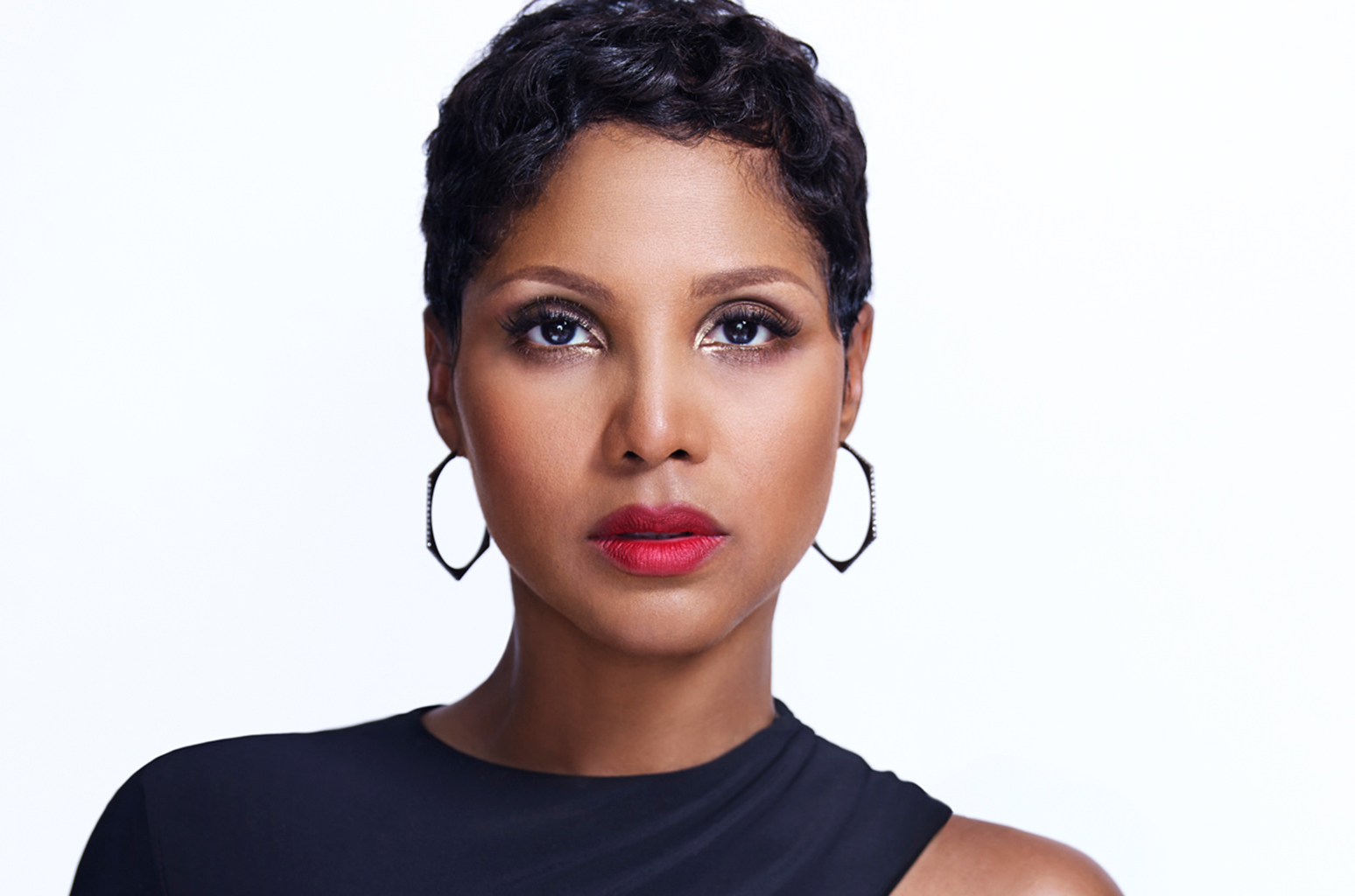 Toni Braxton's Latest Video Has Fans Freaking Out: 'It Looks Like The Coronavirus!'