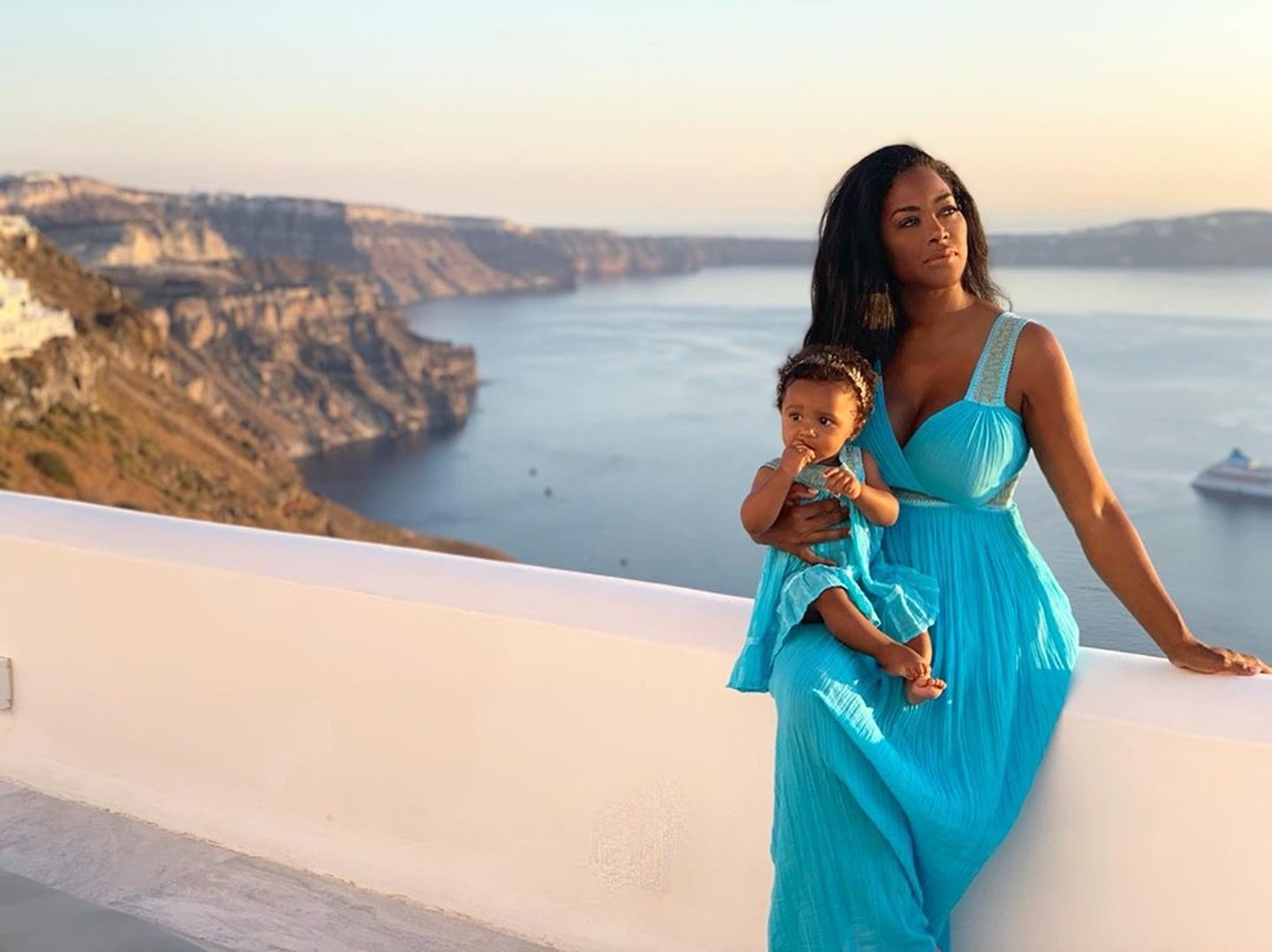 Kenya Moore Introduces Her Aunt To Fans And Posts Various Gorgeous Pics That Include Brooklyn Daly As Well