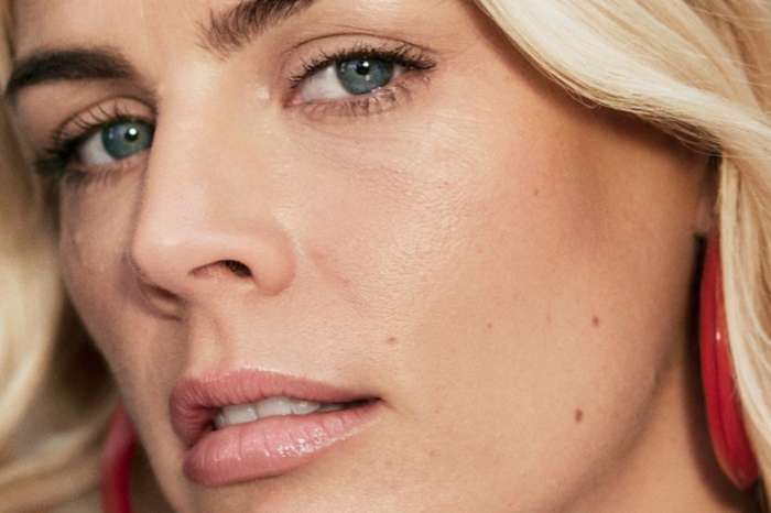 Busy Philipps Is Unretouched In New Olay Regenerist Ad