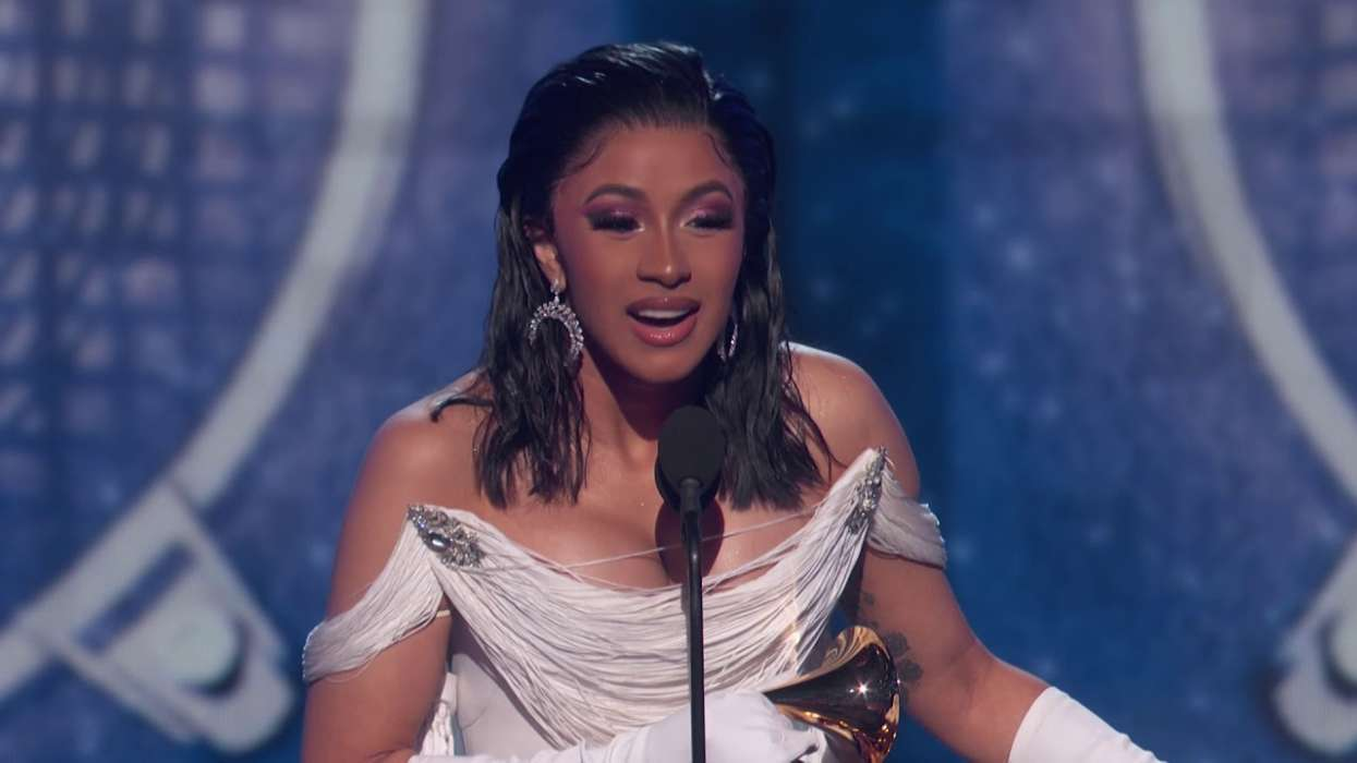 """""""cardi-b-announces-donation-of-20000-bottles-of-vegan-meal-replacement-drink-to-new-york-city-medical-staffers"""""""