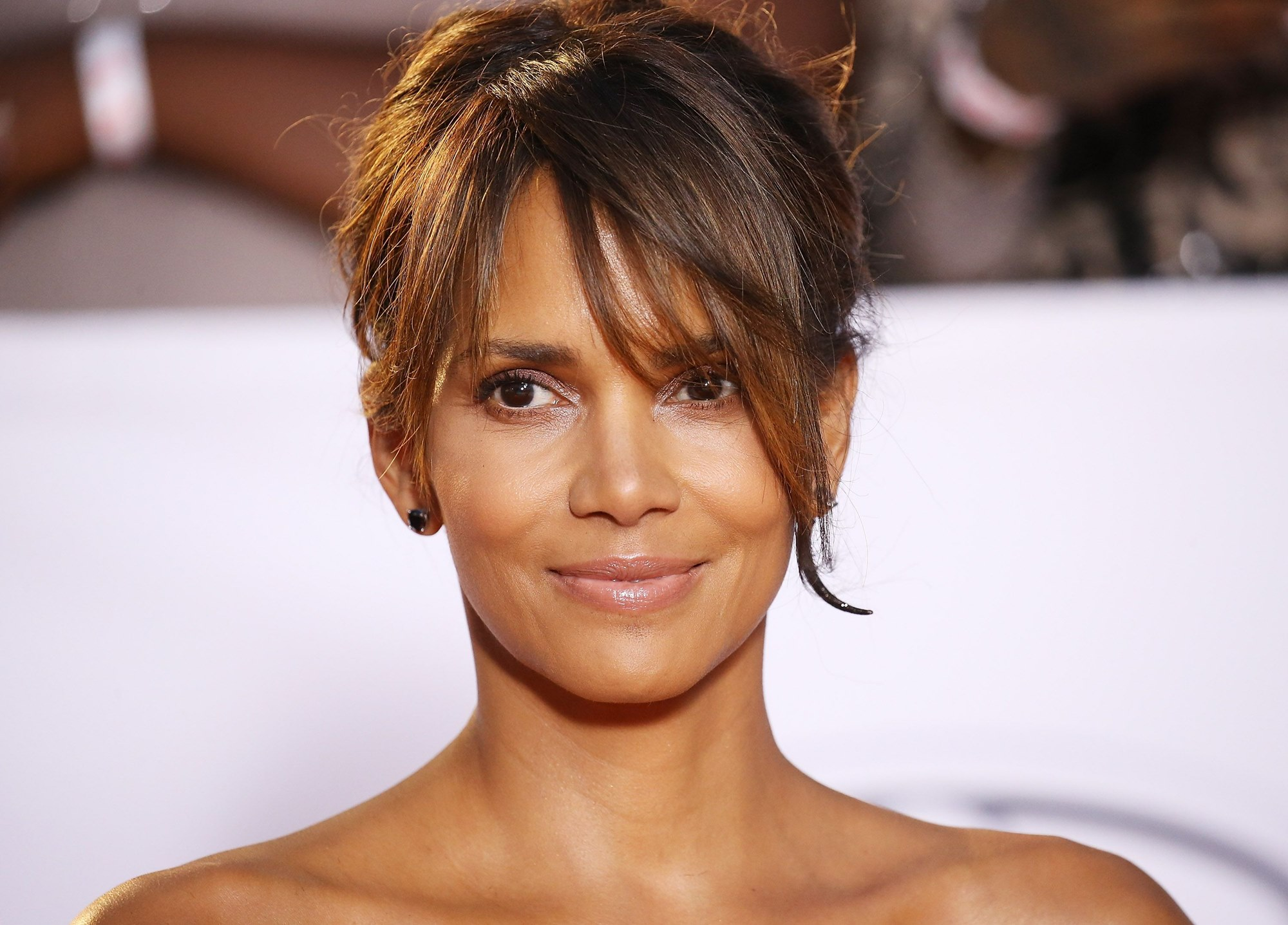 Halle Berry Online Party DJ D-Nice Dating Rumors