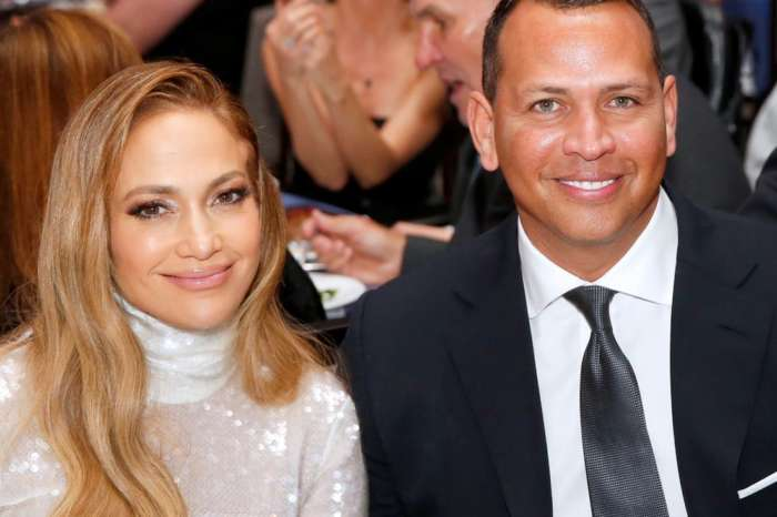 Jennifer Lopez And Alex Rodriguez May Have A TikTok Wedding Due To The Pandemic!