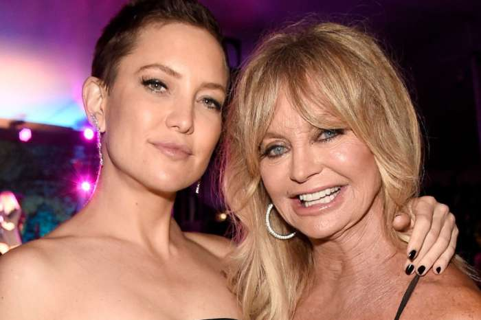 Kate Hudson & Goldie Hawn Open Up About Their Extremely Close Relationship
