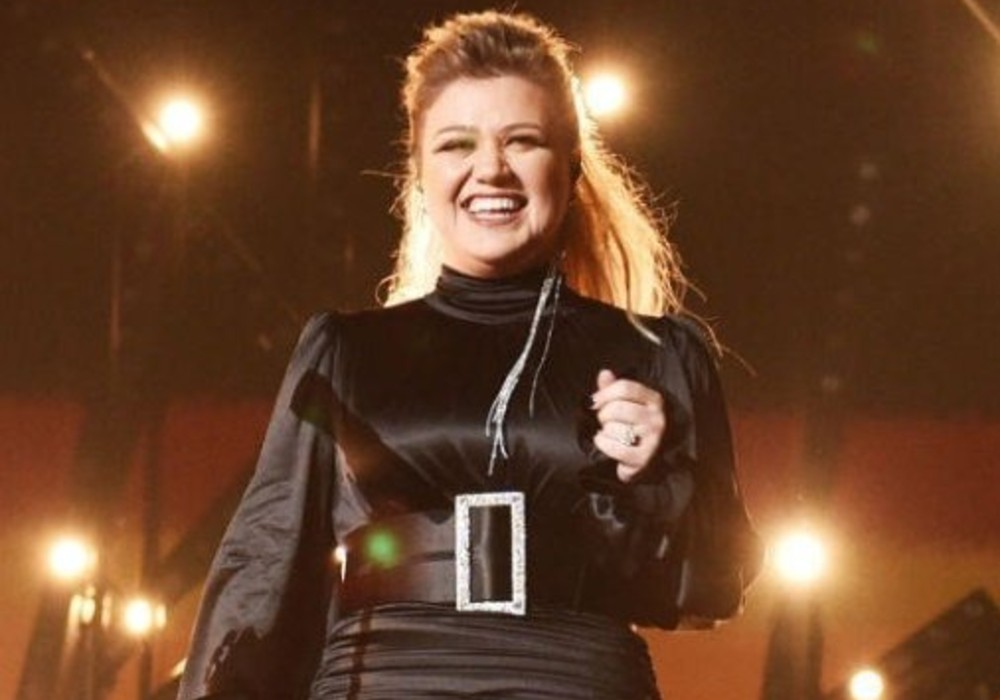 Kelly Clarkson Promotes Her New Single 'I Dare You' While Self-Isolating In Montana, Calls It Her 'Favorite/Hardest Project Ever'