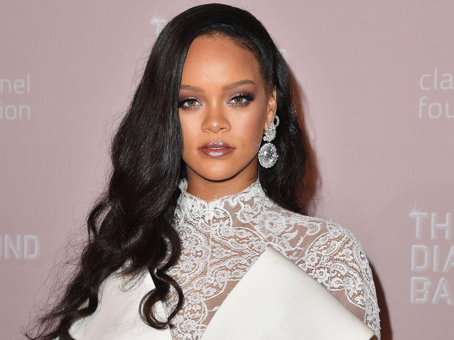 Rihanna Sent Father a Ventilator While He Was Battling Coronavirus