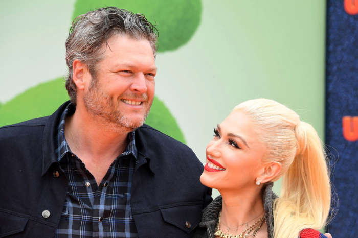 Gwen Stefani Hilariously Spams Blake Shelton's Instagram Live With Loving Messages - Says She Wants To 'Make Out' With Him And More!