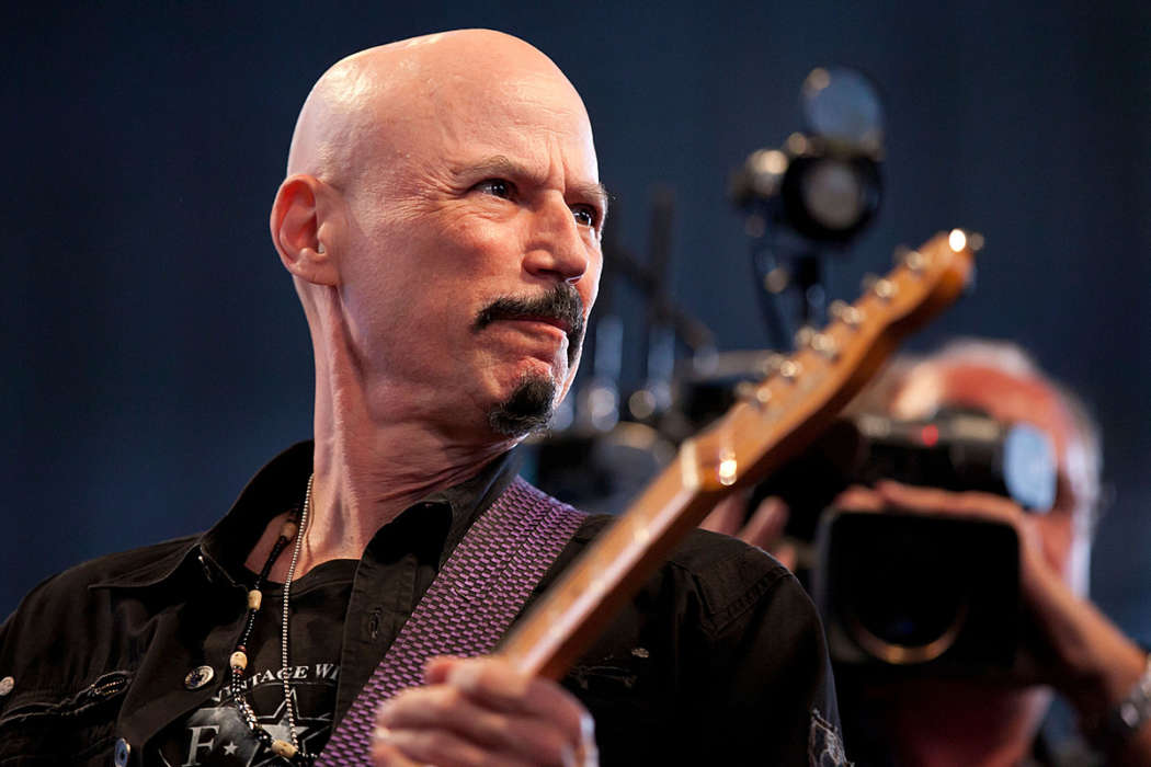 """bob-kulick-the-70-year-old-part-time-guitarist-for-kiss-passes-away"""