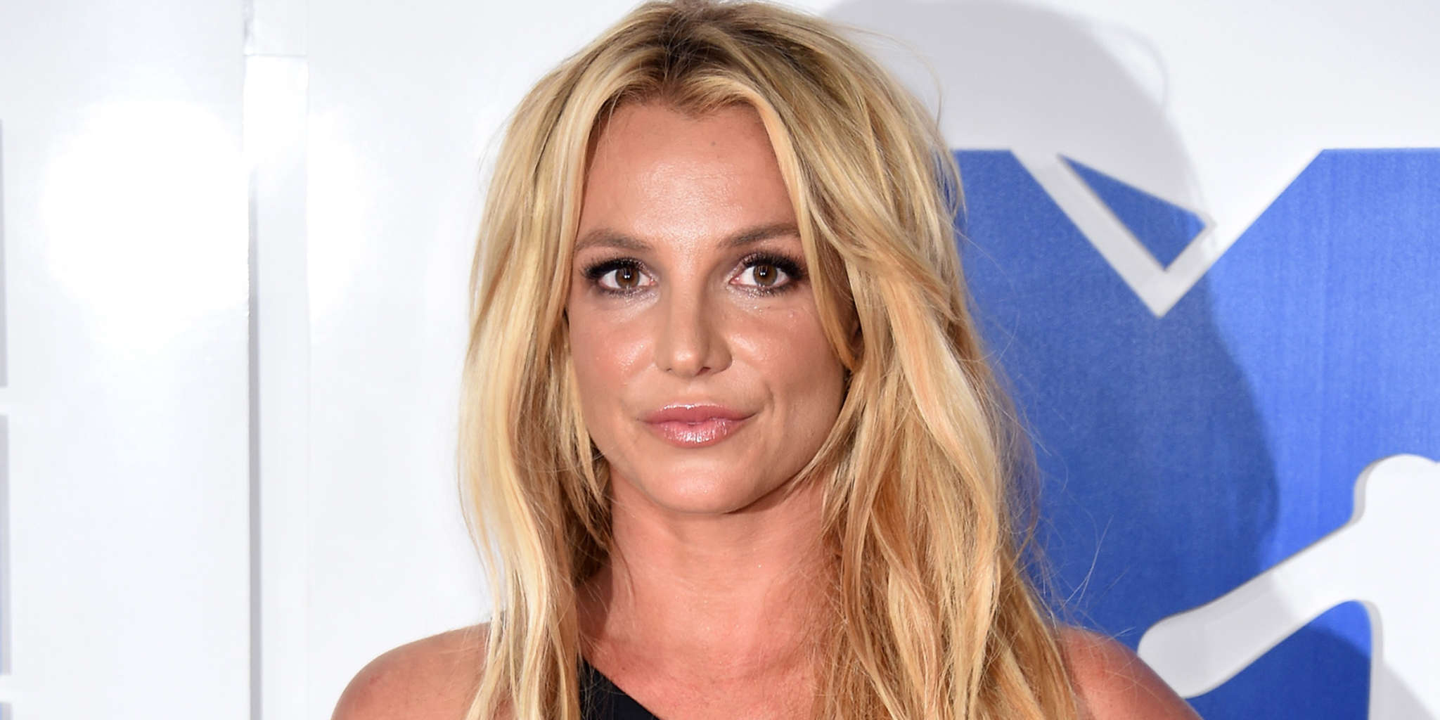 """""""britney-spears-opens-up-about-her-insecurities-growing-up-says-her-teeth-and-forehead-made-her-feel-like-an-ugly-duckling"""""""
