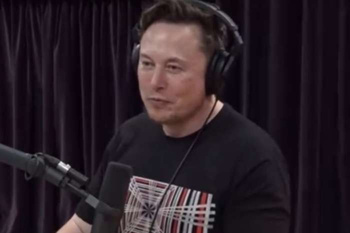 Elon Musk Talks About Selling All Of His Possessions On The Joe Rogan Experience