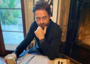 Is Gerard Butler Training To Become A Magician?