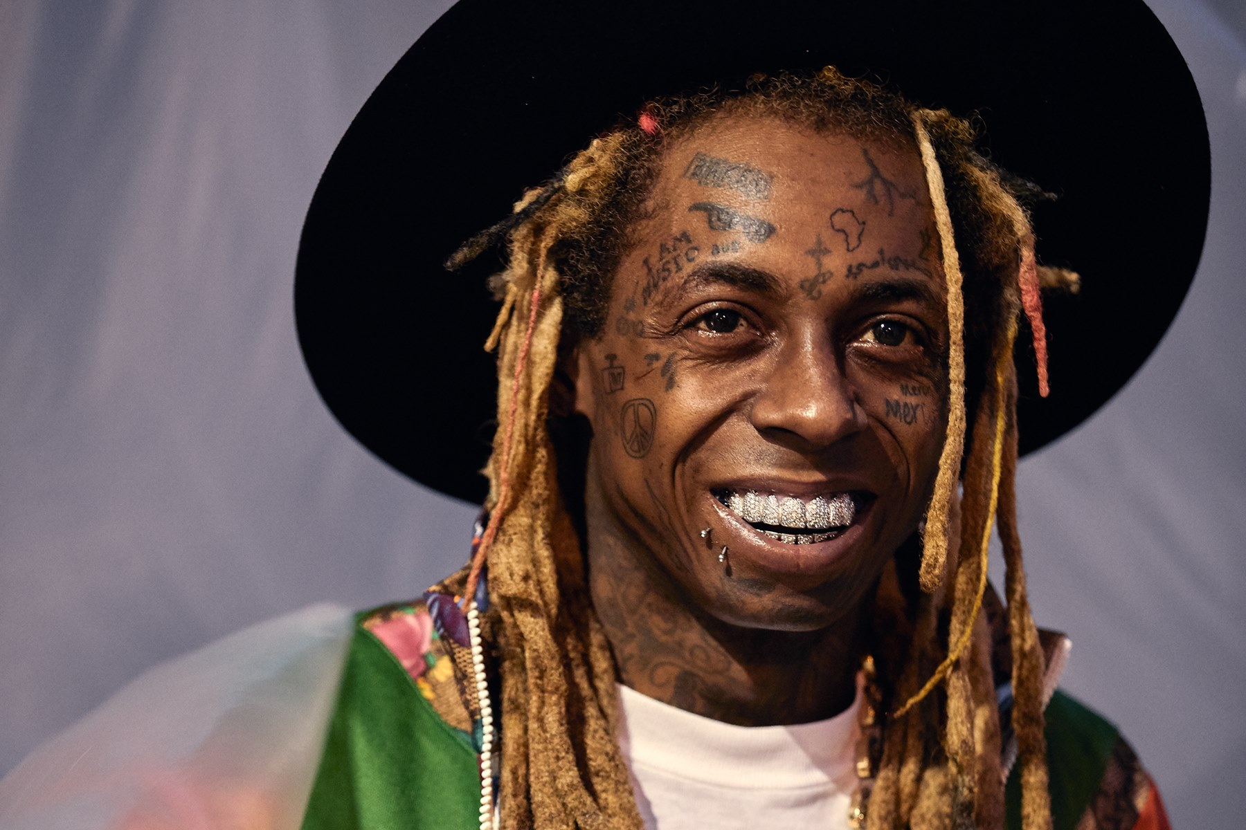 """lil-wayne-lands-in-trouble-for-making-this-controversial-comment-about-the-killing-of-george-floyd-by-derek-chauvin-who-kneeled-on-his-neck"""