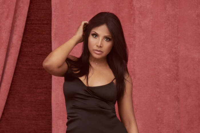 Toni Braxton Is Ready For The Beach In Sultry Bathing Suit Pic!