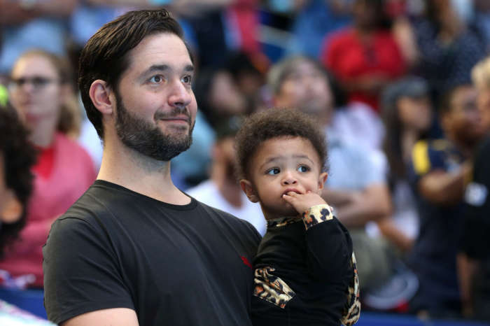 Alexis Ohanian Resigns From Seat At Reddit And Asks To Be Replaced By A Black Candidate -- Donates Money To Know Your Rights Camp