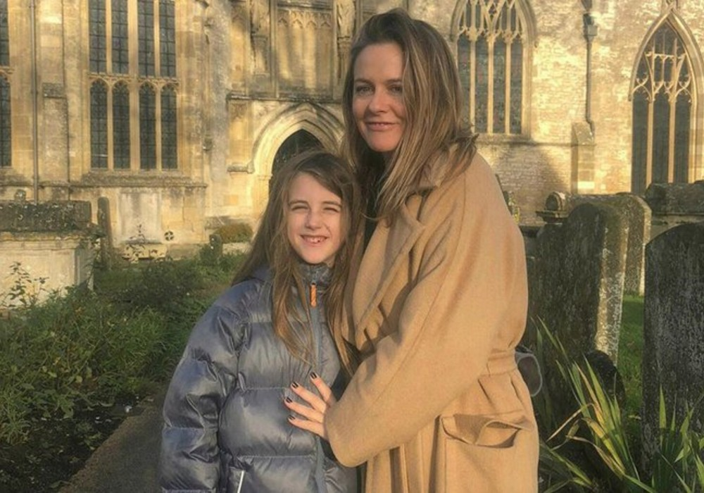 Alicia Silverstone Reveals That She 'Takes Baths' With Her 9-Year-Old Son
