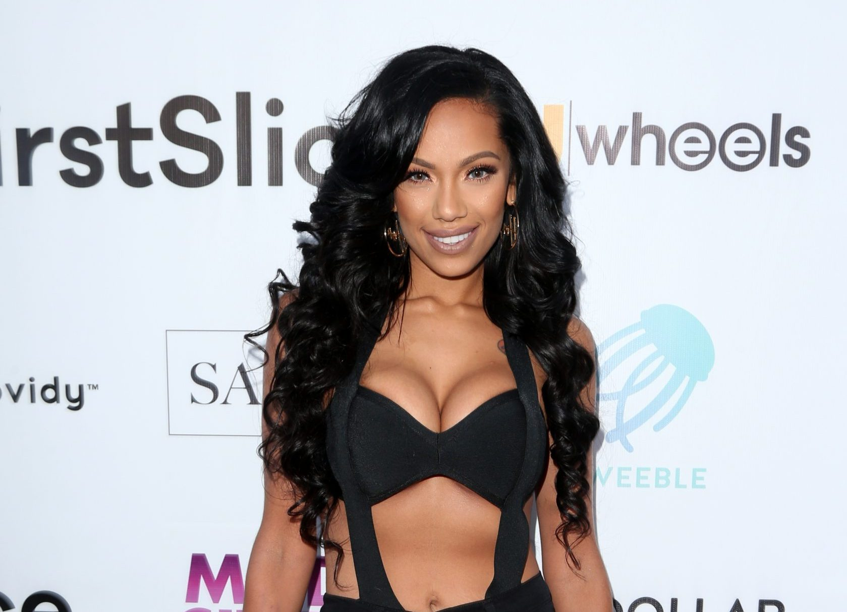 Erica Mena's Latest Jaw Dropping Photo Has Fans In Awe - She Looks Gorgeous In This Black Lace Corset!