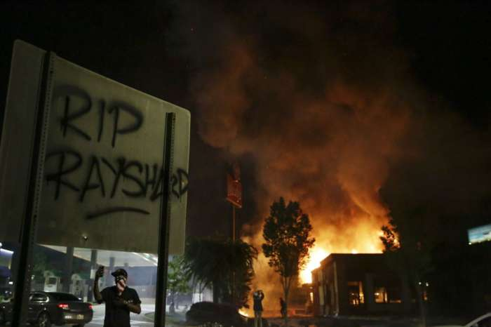 Atlanta Mayor Keisha Bottoms Addresses The Death Of Rayshard Brooks - Relevant Footage Surfaces