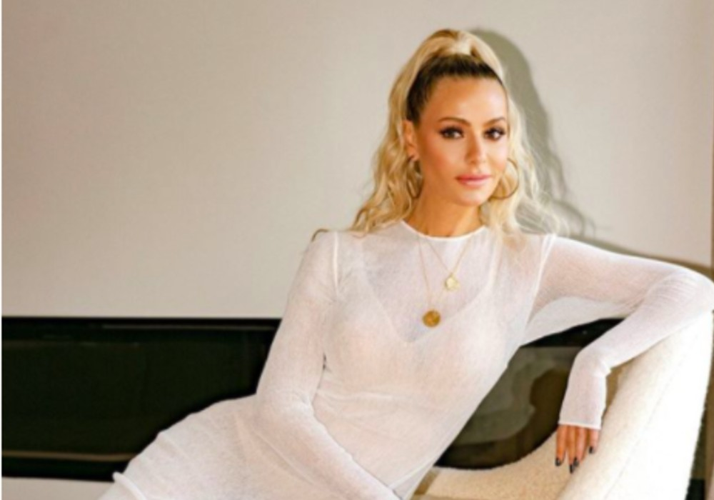 RHOBH - Dorit Kemsley Slams Accusations That She's Flaunting Her White Privilege