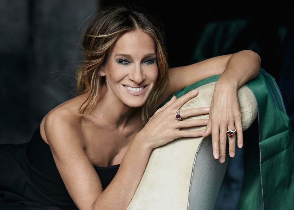 sarah-jessica-parker-shows-off-her-stunning-figure-in-new-beach-photos