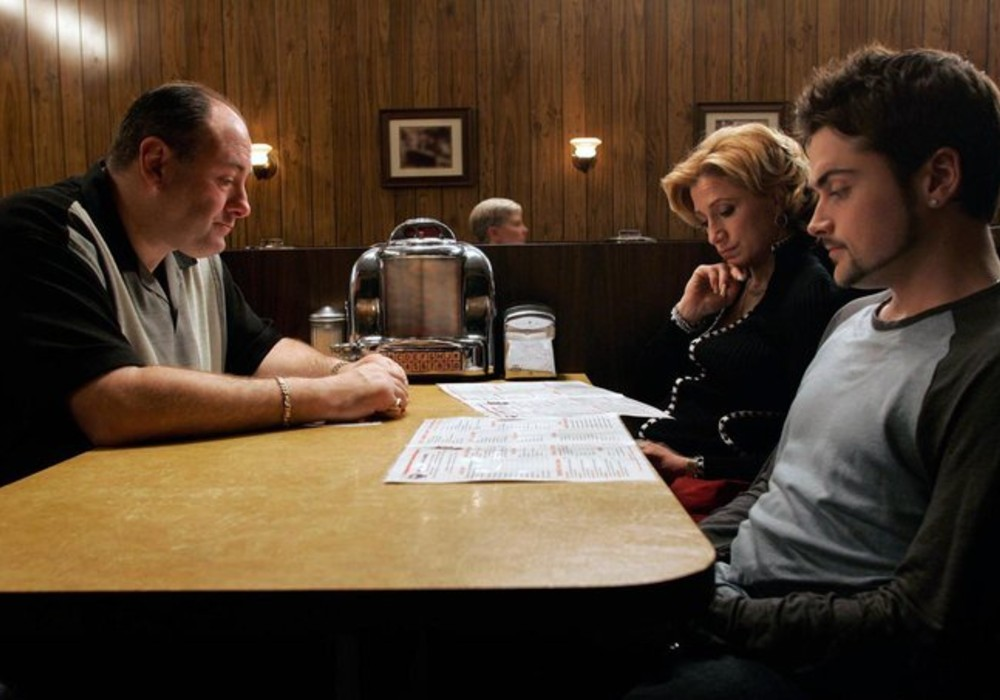 Sopranos Creator Accidentally Reveals Tony's Fate In The Iconic (And Often Debated) Final Scene Of The Series