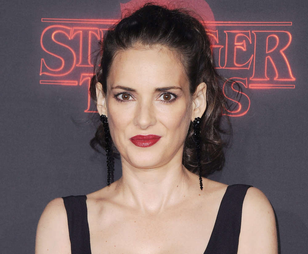winona-ryder-accuses-mel-gibson-of-calling-her-an-oven-dodger-for-the-second-time