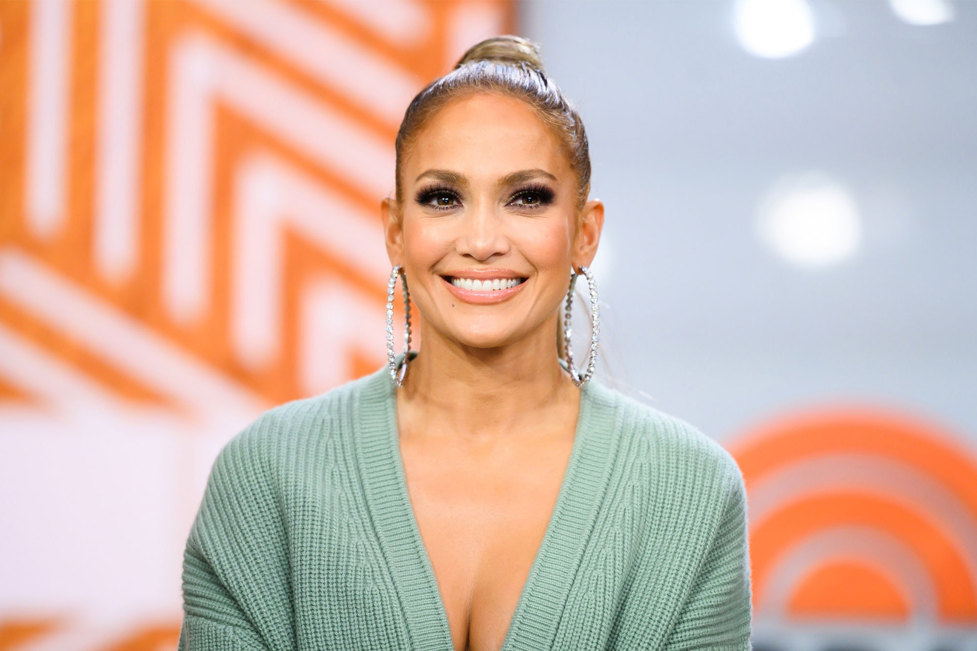 jennifer-lopez-shows-off-her-incredible-backside-and-fans-still-cant-believe-shes-50