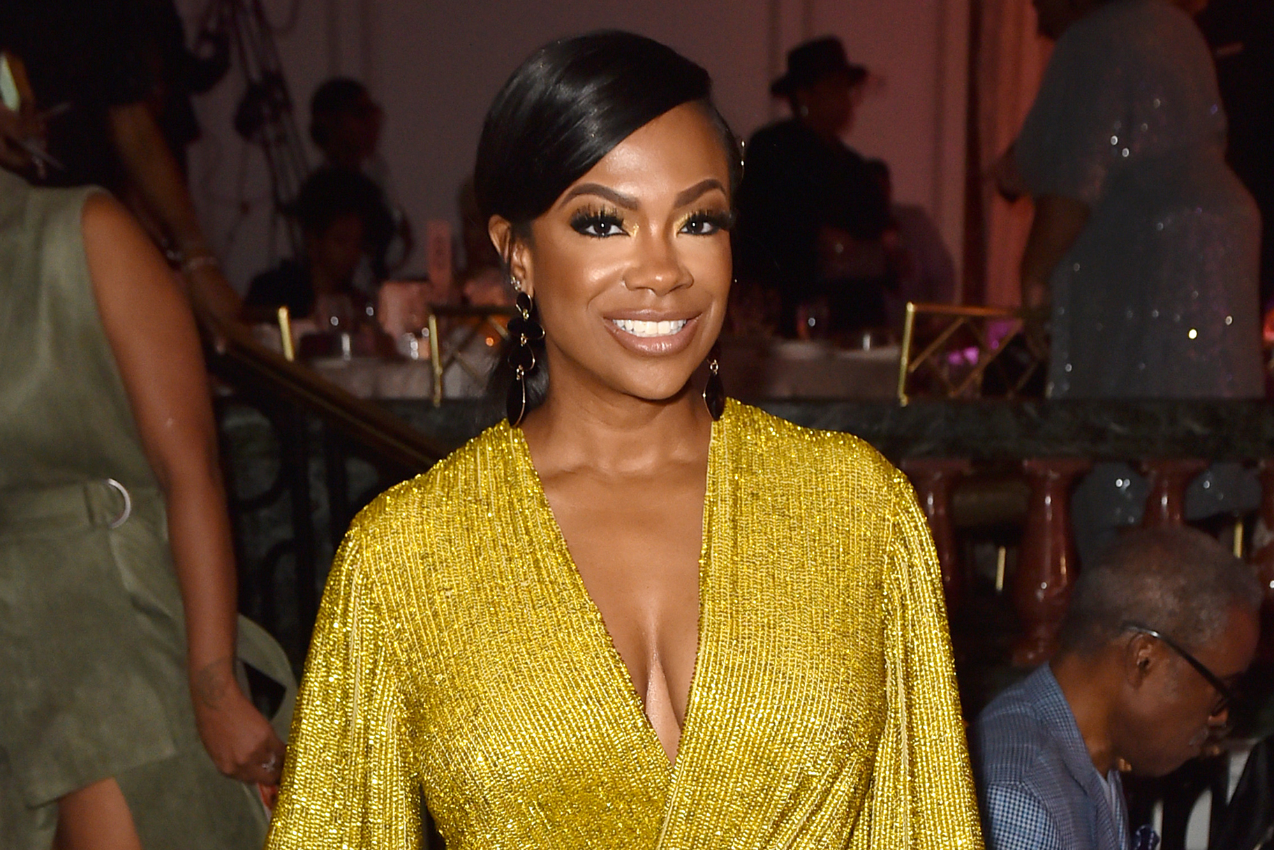 """kandi-burruss-fans-are-going-crazy-with-excitement-watching-season-3-of-the-chi"""