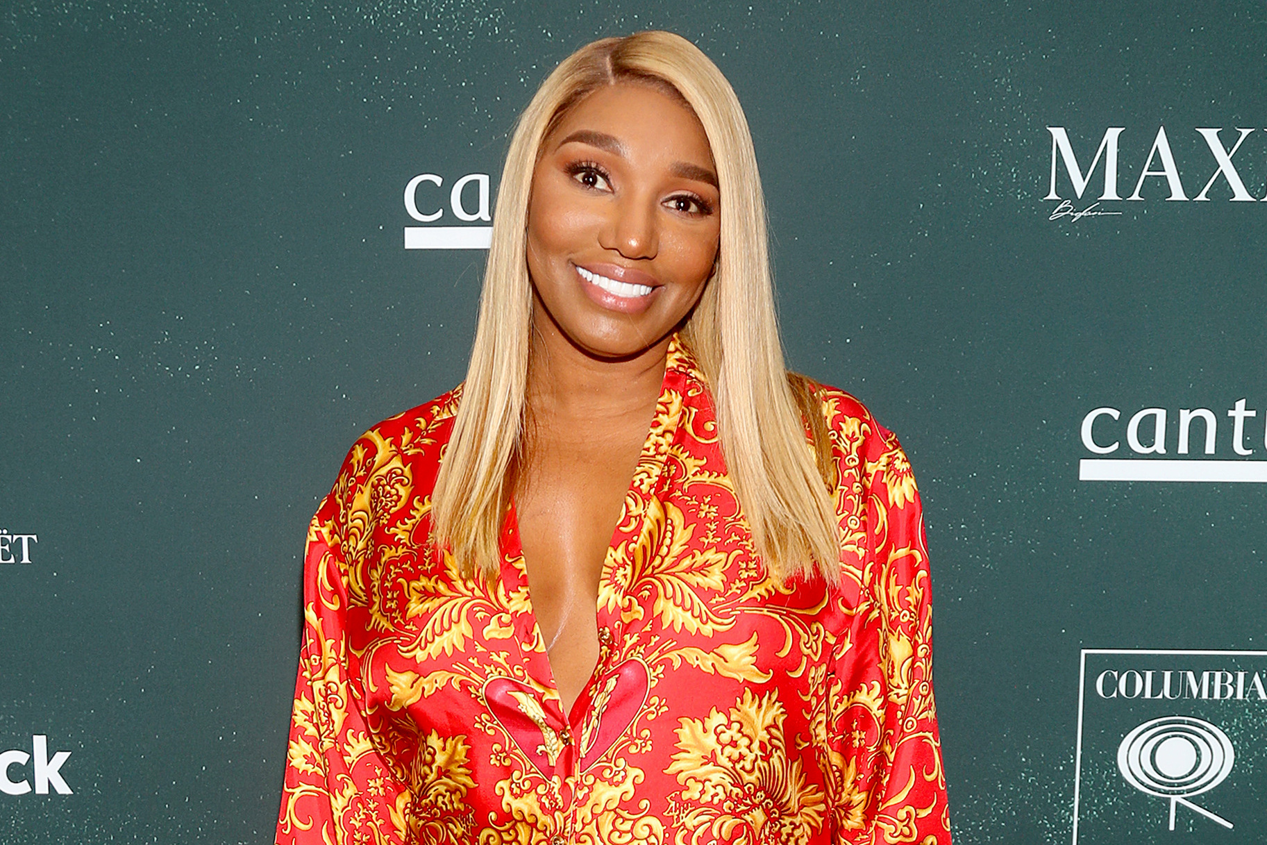 NeNe Leakes' Fans Can Catch Her Today At Noon - Make Sure To Catch The 'Glamour Live Chat'