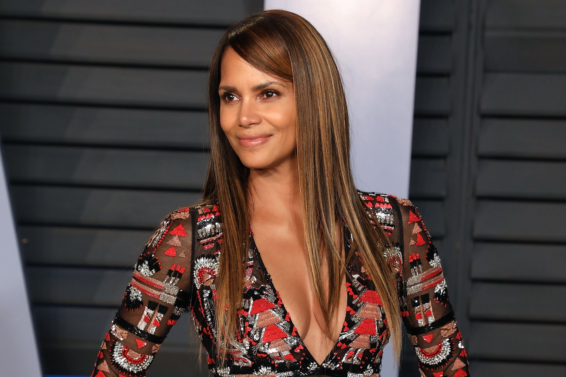Halle Berry Gets Mixed Reaction For This Apology