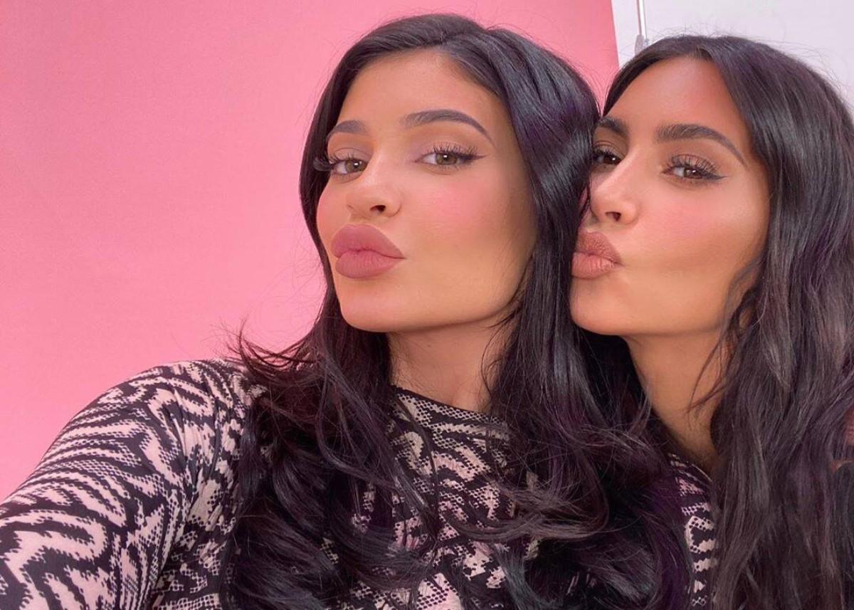 Kanye West celebrates Kim Kardashian's billionaire status