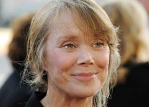 Sissy Spacek Opens Up About Staying Grounded Through Hollywood Fame