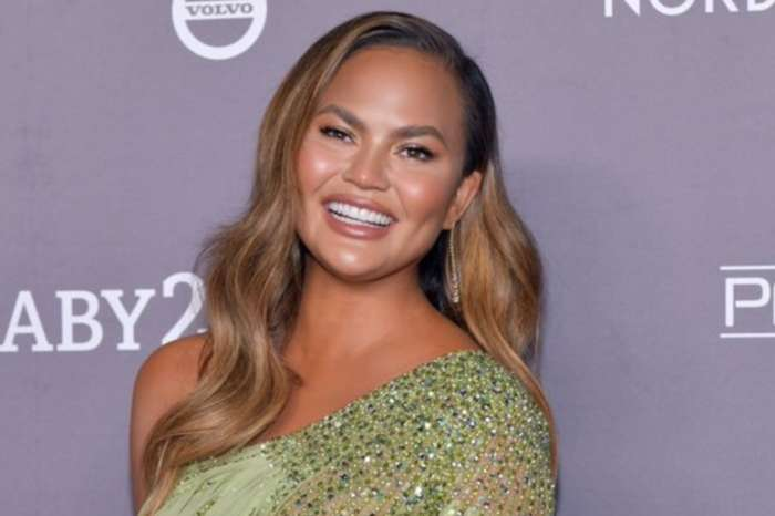 Chrissy Teigen Attempts To Shut Down Claims She Was Connected To Jeffrey Epstein By Blocking Over One Million People On Twitter!