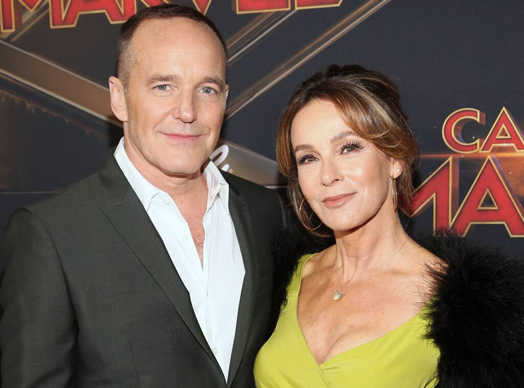 jennifer-grey-and-clark-gregg-file-for-divorce-ahead-of-their-19-year-wedding-anniversary-this-month