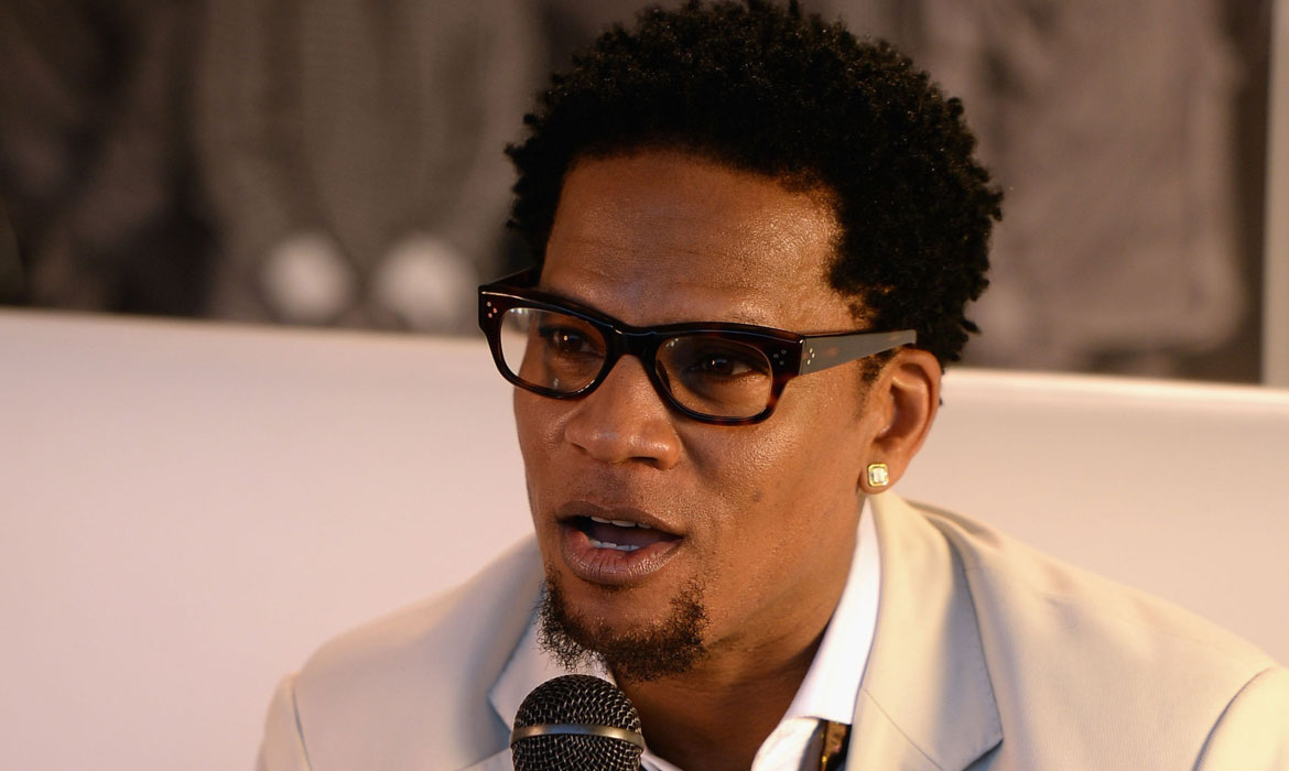 """""""d-l-hughley-slams-kanye-west-again-says-he-and-trump-are-the-same-narcissistic-person"""""""