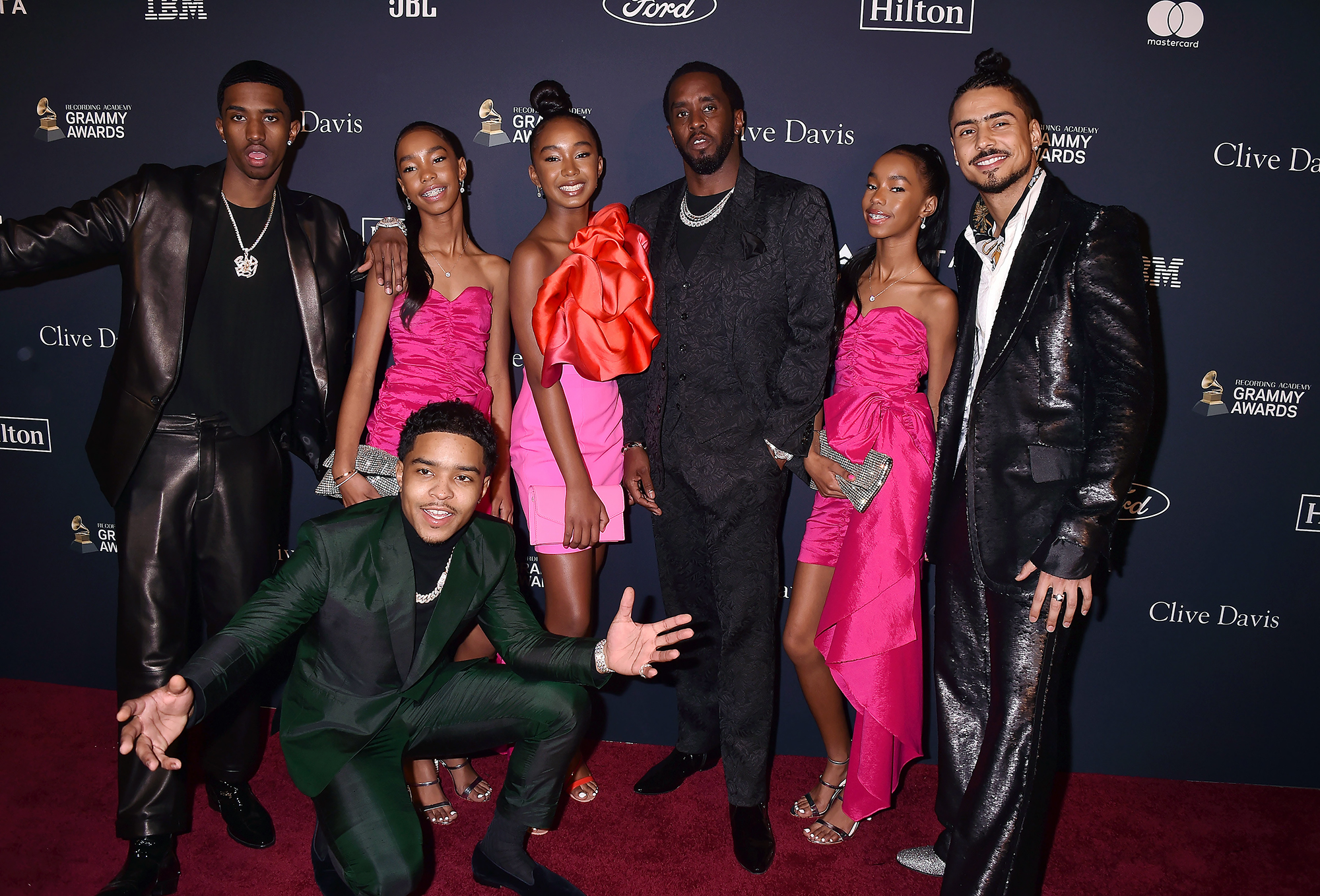 Diddy Poses With His Daughters And Has Fans In Awe