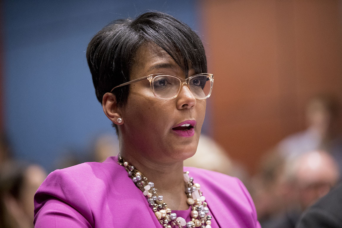 atlanta-mayor-keisha-lance-bottoms-said-that-governor-kemp-is-trying-to-keep-her-from-speaking-to-the-press-about-this-subject