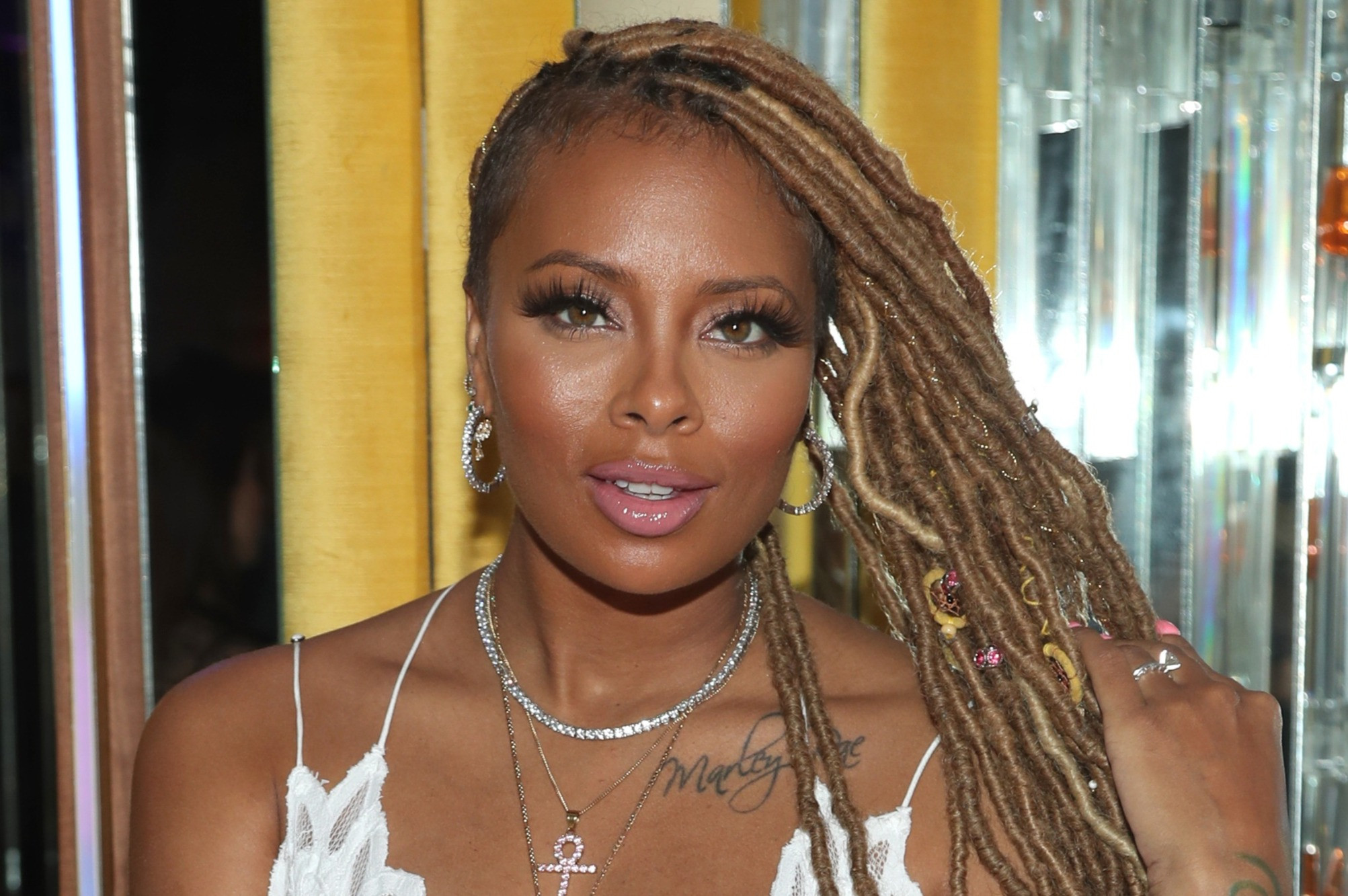 """eva-marcille-shows-off-her-gorgeous-lashes-and-her-fans-are-here-for-the-look"""