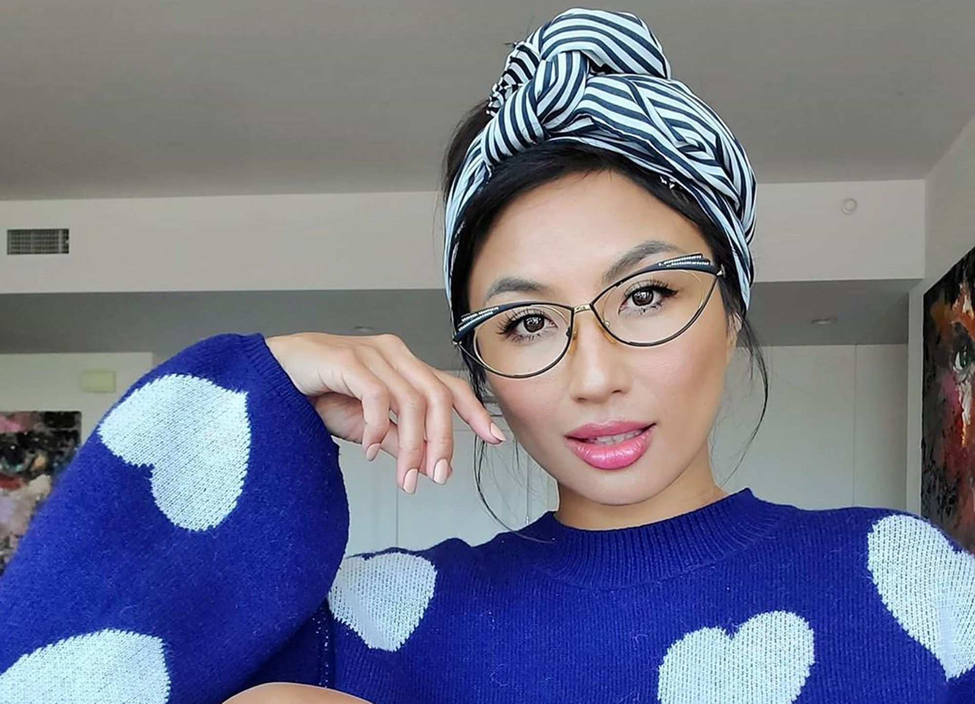 jeannie-mai-gets-jeezys-full-attention-with-this-ageless-photo