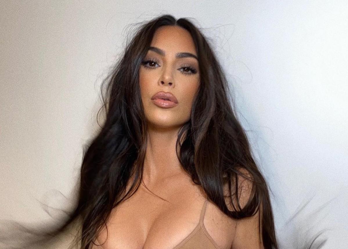 """kim-kardashian-is-still-wearing-her-wedding-ring-as-divorce-rumors-with-kanye-west-loom"""