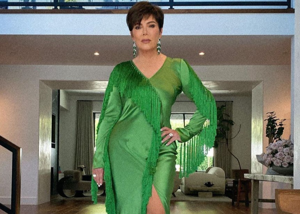 kris-jenner-is-a-green-goddess-in-diane-von-furstenberg