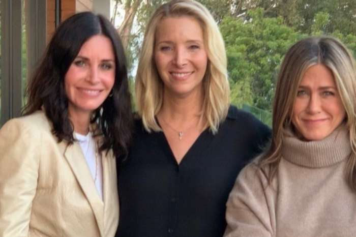Jennifer Aniston, Lisa Kudrow, And Courteney Cox From Friends Reunite To Tell Fans To Vote